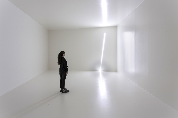 Haroon Mirza, Pavilion for Optimisation