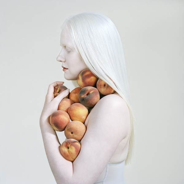 Petrina Hicks, Bruised Peaches